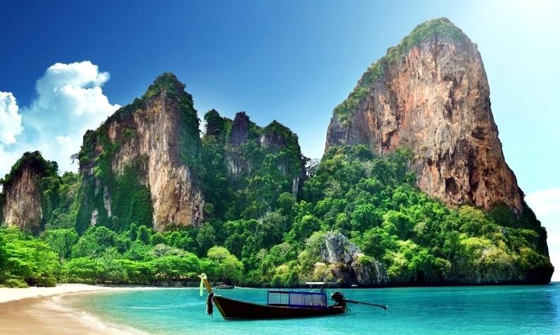 CCNA Courses in Bangkok to Quick Beach Getaways